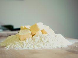 Co má společného vysoká cena másla a spoření na důchod? Uvidíte ve článku