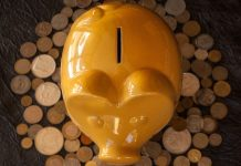 """Nejhorší způsoby, jak může """"spoření"""" znehodnotit Vaše peníze"""